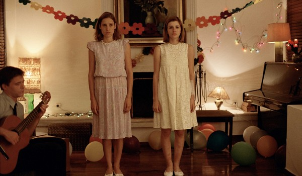 Aggeliki Papoulia and Mary Tsoni in Dogtooth
